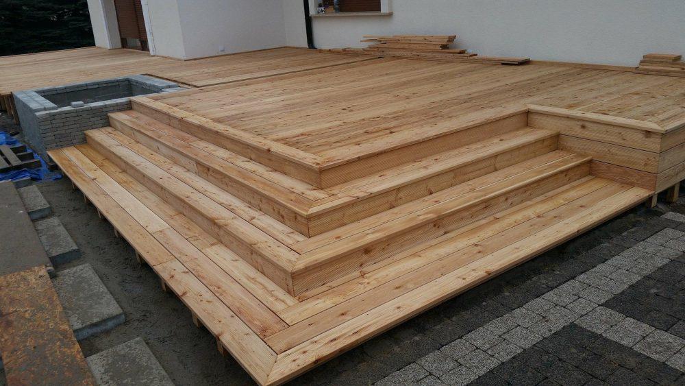 Duży taras drewniany
