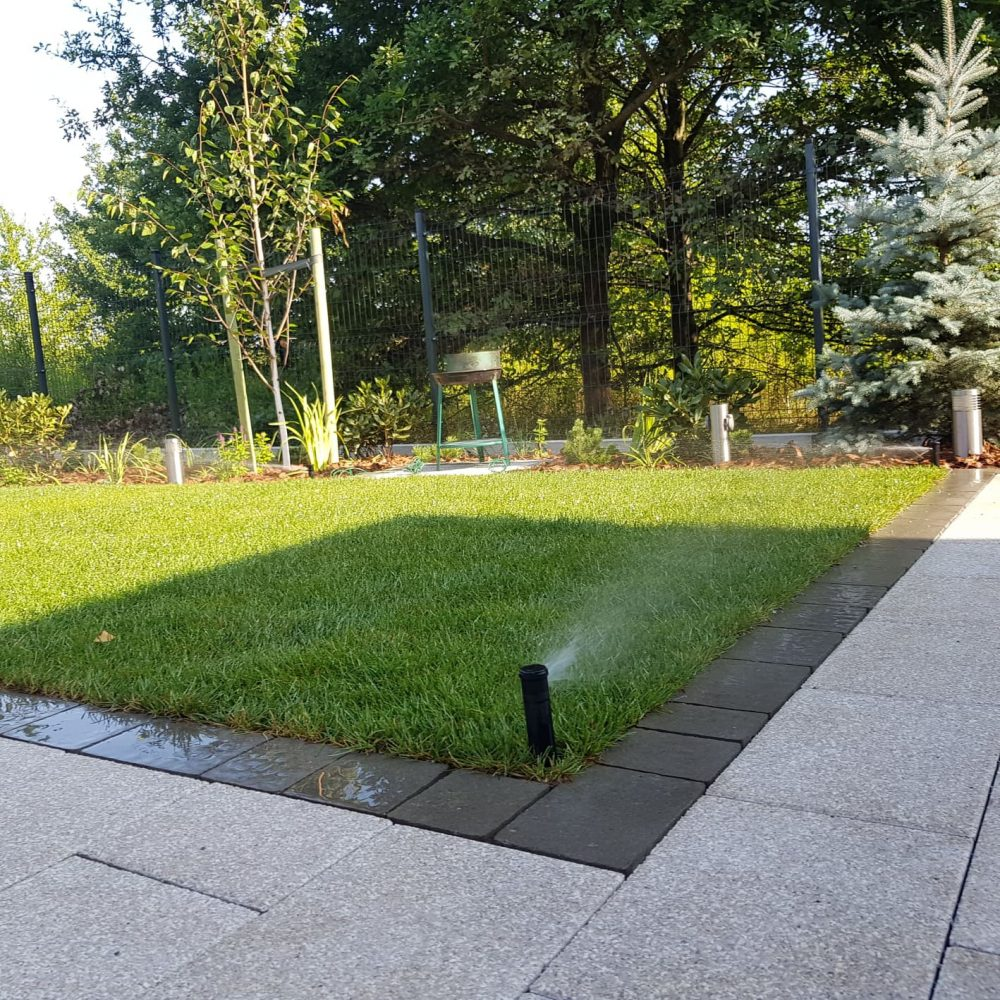 Automatyczne nawadnianie trawnika